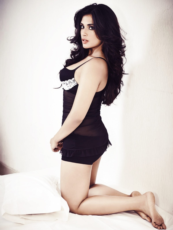 richa-chadda-latest-photos-02