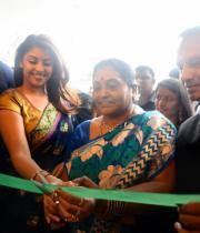 richa-gangopadhyay-at-raviteja-textiles-launch-12