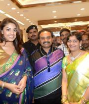 richa-gangopadhyay-at-raviteja-textiles-launch-18