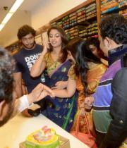 richa-gangopadhyay-at-raviteja-textiles-launch-19