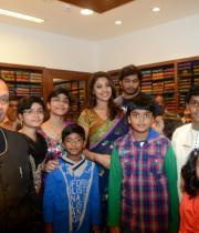 richa-gangopadhyay-at-raviteja-textiles-launch-20