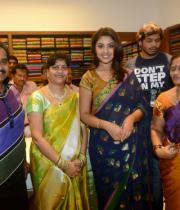 richa-gangopadhyay-at-raviteja-textiles-launch-6