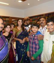 richa-gangopadhyay-at-raviteja-textiles-launch-7