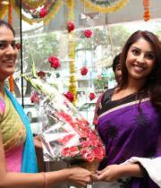 richa-gangopadhyay-at-sreeja-fashions-3rd-anniversary-17