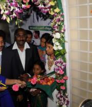 richa-gangopadhyay-at-star-homeopathy-launch-14
