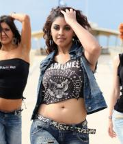 richa-gangopadhyay-latest-hot-stills-16