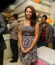 richa-gangopadhyay-photos-at-micromax-canvas-hd-4-launch-02
