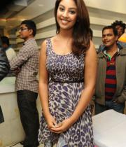 richa-gangopadhyay-photos-at-micromax-canvas-hd-4-launch-04