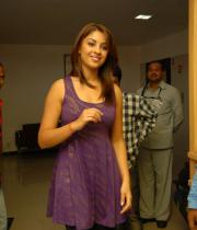 richa-gangopadhyay-radio-mirchi-for-sarocharu-audio-launch-1