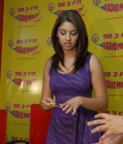 richa-gangopadhyay-radio-mirchi-for-sarocharu-audio-launch-13