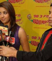 richa-gangopadhyay-radio-mirchi-for-sarocharu-audio-launch-14