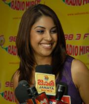 richa-gangopadhyay-radio-mirchi-for-sarocharu-audio-launch-15