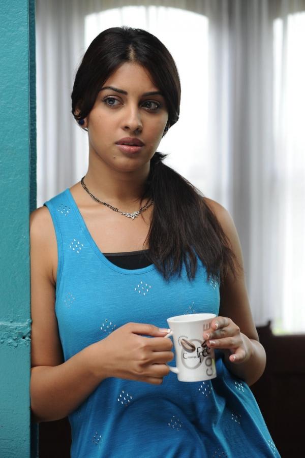 richa-gangopadhyaya-latest-stills-05