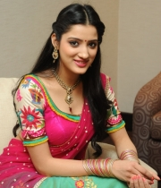 richa-panai-new-photo-stills-61