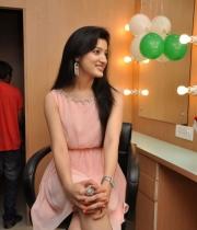 richa-panai-launches-cv-international-academy-of-beauty-10