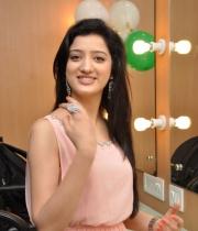 richa-panai-launches-cv-international-academy-of-beauty-25