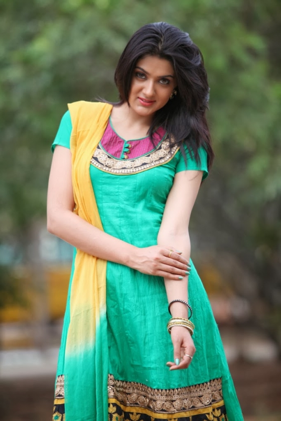 sakshi-chowdary-photos-12