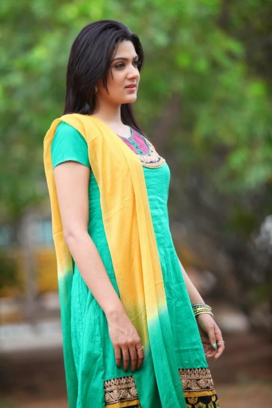 sakshi-chowdary-photos-17