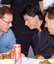 sharukh-salman-khan-party-photos-4