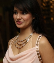 saloni-latest-pics_1412879202_2