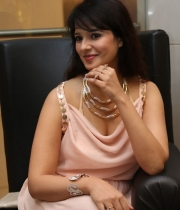 saloni-latest-pics_1412879202_20