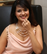 saloni-latest-pics_1412879202_21