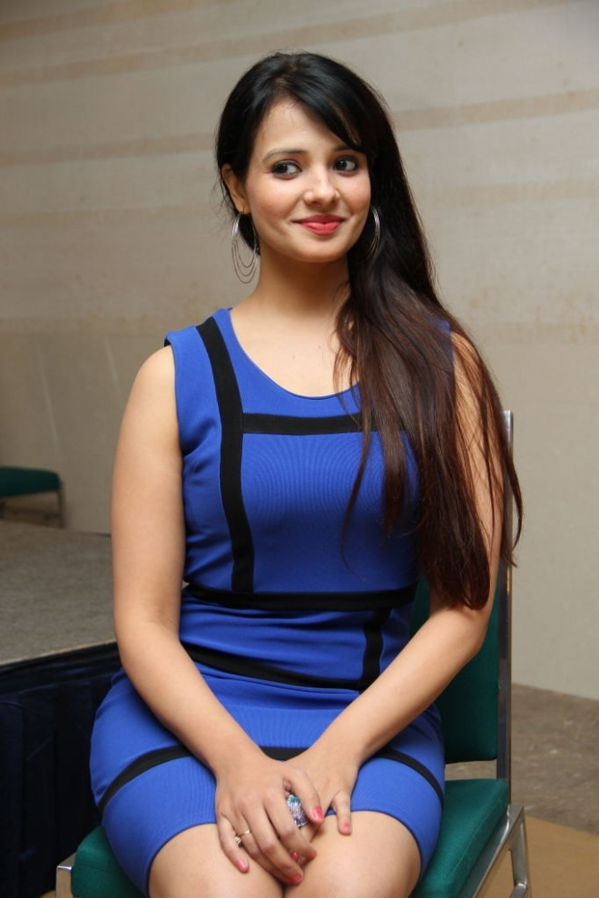 saloni-latest-photos-11