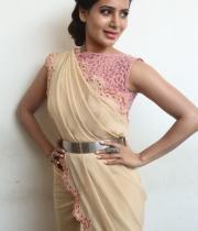 samantha-at-manam-movie-premier-show-13