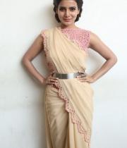 samantha-at-manam-movie-premier-show-18