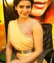 samantha-at-manam-movie-premier-show-3