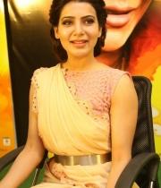 samantha-at-manam-movie-premier-show-5
