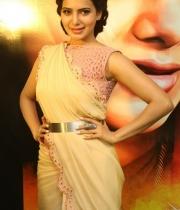 samantha-at-manam-movie-premier-show-8