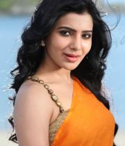 samantha-hot-stills-in-saree-02