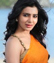 samantha-hot-stills-in-saree-03