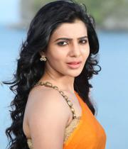 samantha-hot-stills-in-saree-05