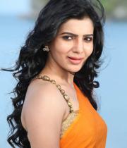samantha-hot-stills-in-saree-07