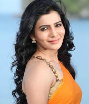 samantha-hot-stills-in-saree-08