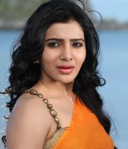 samantha-hot-stills-in-saree-09