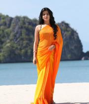 samantha-hot-stills-in-saree-10