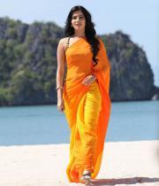 samantha-hot-stills-in-saree-11