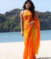 samantha-hot-stills-in-saree-13