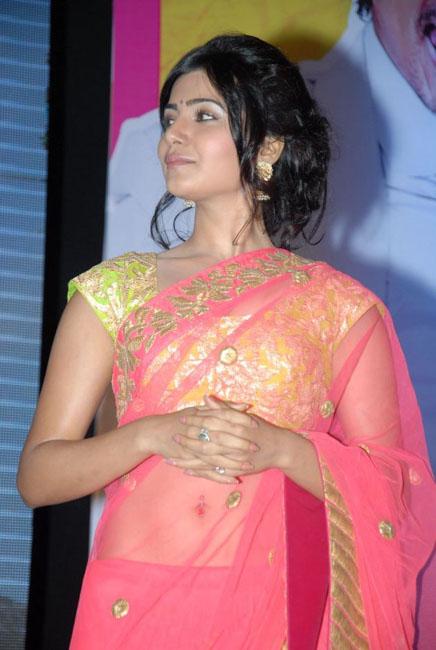 samantha-hot-navel-show-in-saree-04