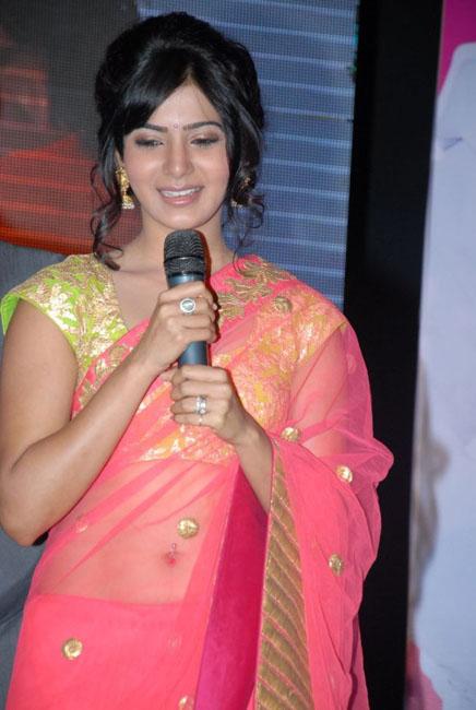 samantha-hot-navel-show-in-saree-05