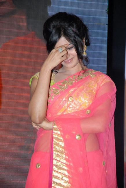 samantha-hot-navel-show-in-saree-06