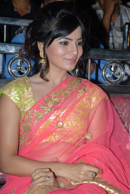 samantha-hot-navel-show-in-saree-07