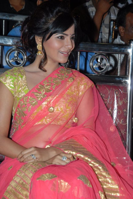samantha-hot-navel-show-in-saree-08