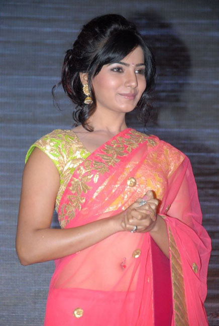 samantha-hot-navel-show-in-saree-10