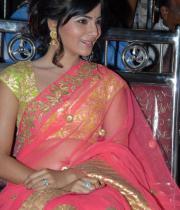 samantha-hot-navel-show-in-saree-08