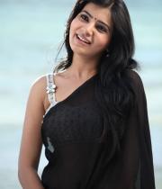 samantha-hot-photos-in-black-saree-05