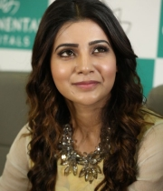 samantha-hepatitis-vaccination-continental-launch-6